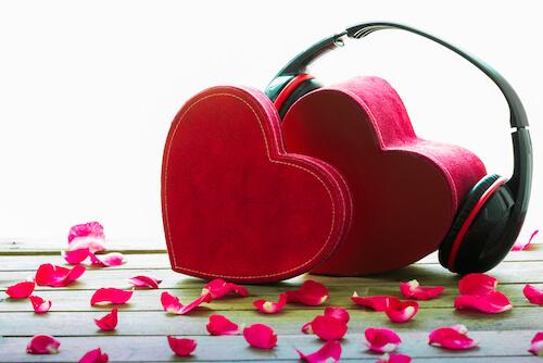 赤いヘッドフォンとラブソング